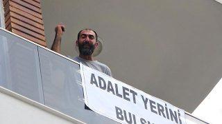 Antalya'da tehdit edildiğini iddia edip kendini eve kilitledi