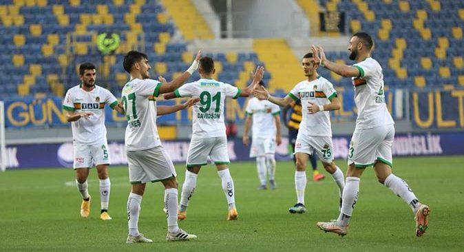 Alanyaspor'da 8 oyuncunun sözleşmesi sona erdi
