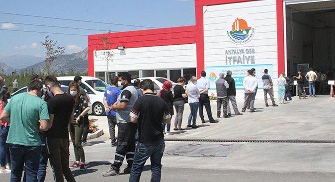 Bakan Fahrettin Koca duyurmuştu! Antalya Organize Sanayi Bölgesi'nde aşılama başladı