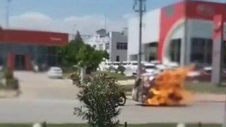 Antalya'da motosikletin römorku alev alev yandı
