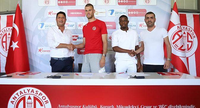 Antalyaspor Floranus ve Diogo ile sözleşme imzaladı