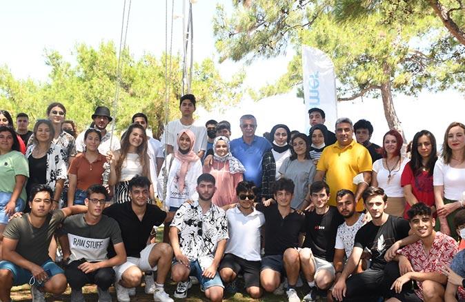 Başkan Necati Topaloğlu öğrencilerle bir araya geldi