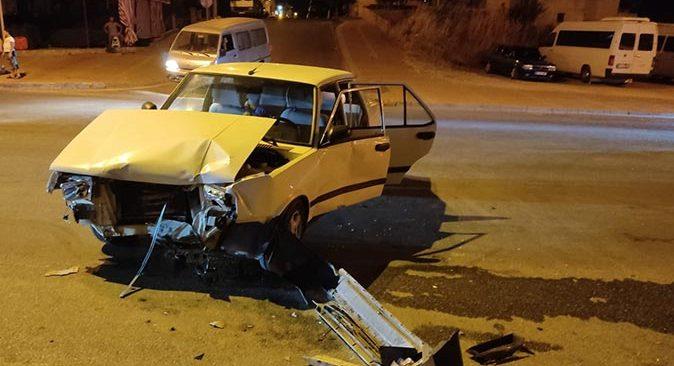 Antalya'da feci kaza! Sürücü aracını bırakıp kaçtı