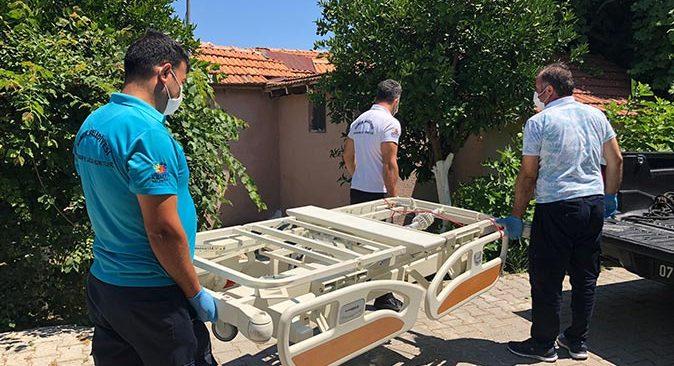 Kemer Belediye ekipleri evde sağlık hizmetleri kapsamında aralıksız çalışıyor
