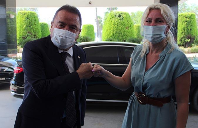 Başkan Muhittin Böcek'ten Rektör Özlenen Özkan'a ziyaret