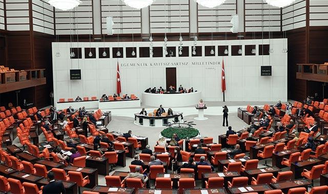 Askerlerin yargılanmasıyla ilgili yeni düzenleme Meclis'te kabul edildi