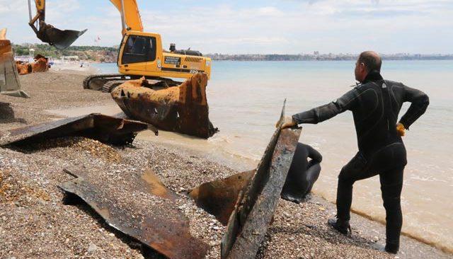 Konyaaltı Sahili 83 yıllık batıktan kurtuluyor