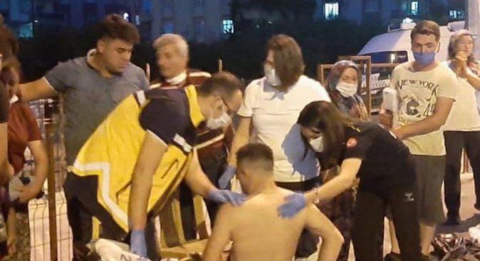 Antalya'da pazar yerinde çıkan bıçaklı kavgada kan aktı