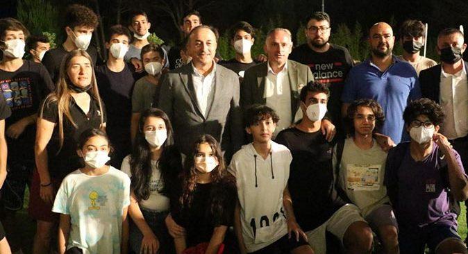 Dışişleri Bakanı Mevlüt Çavuşoğlu, Antalyalı sporcularla buluştu
