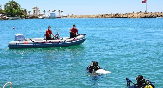 Antalya'ya yakışmayan görüntü! Side Limanı'nda yapılan temizlikte denizden çıkmayan kalmadı