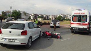 Antalya'da otomobil ile motosiklet çarpıştı! Motosiklet sürücüsü yaralandı