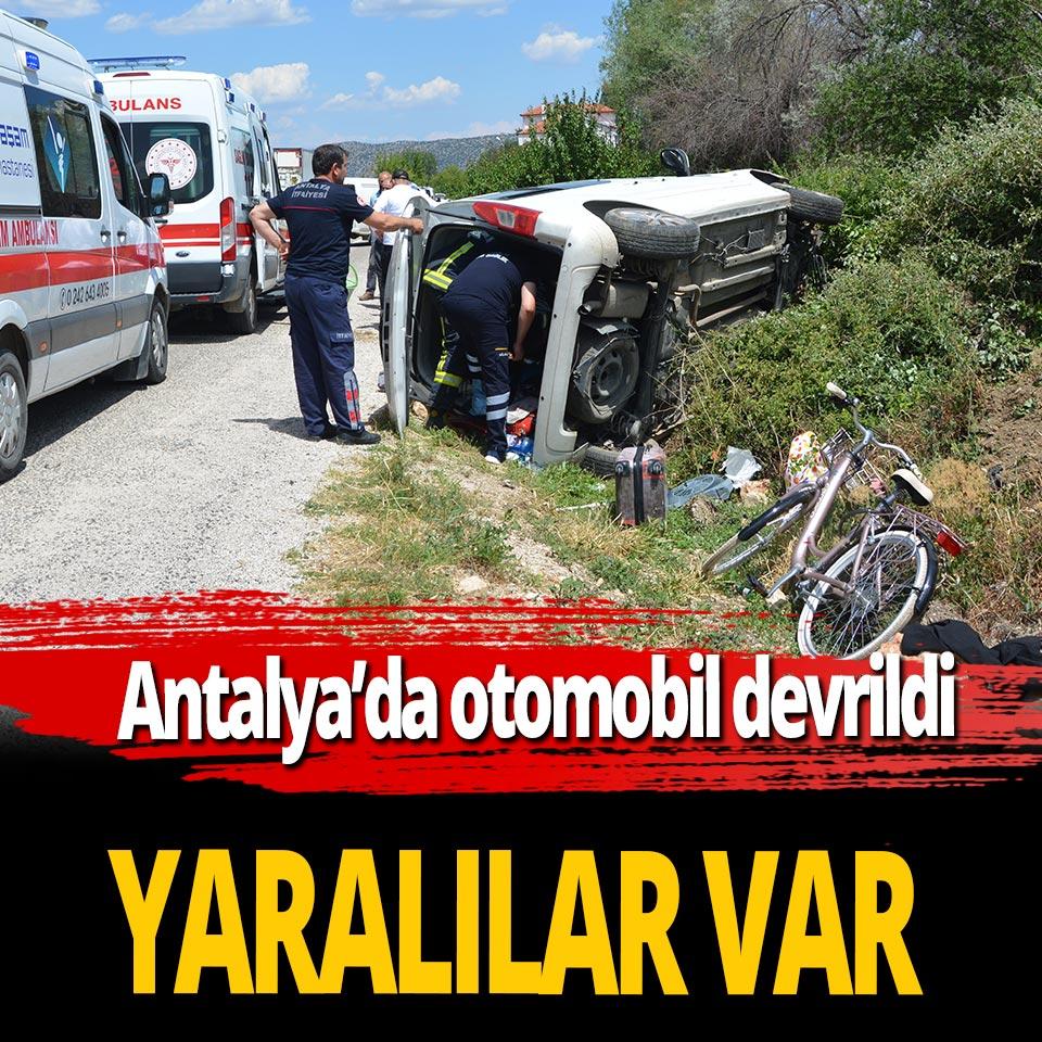 Antalya'da otomobil devrildi! 3 kişi yaralandı