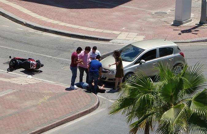 Manavgat'ta feci kaza! Kasksız sürücü Ömer Uşma ölümden döndü