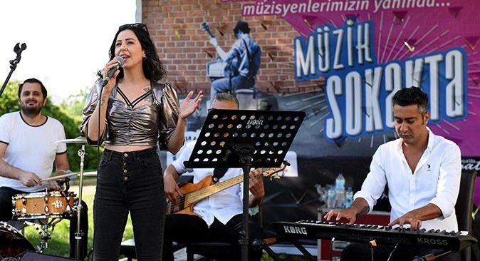 Muratpaşa Belediyesi'nden kentin müzisyenleriyle büyük dayanışma