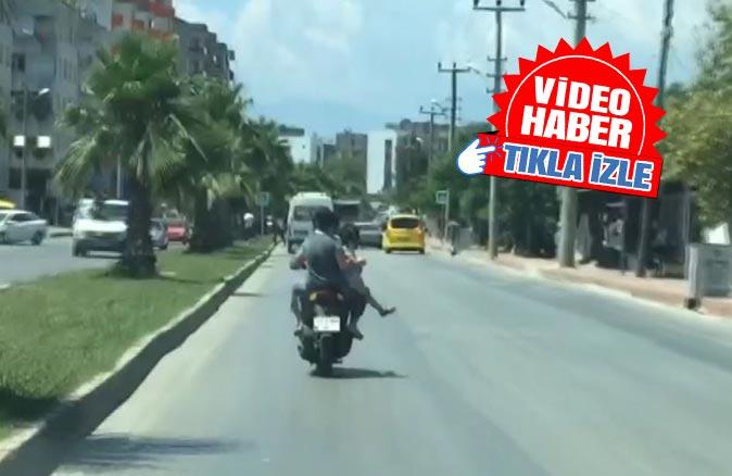 Antalya'da trafikte 'pes' dedirten görüntü!