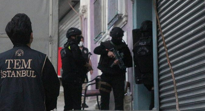 İstanbul'da eş zamanlı operasyonlar! HDP Beyoğlu İlçe Başkanı Mehmet Sait Bor gözaltına alındı