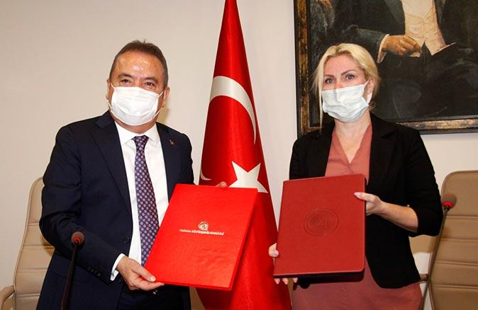 Akdeniz Üniversitesi ile Antalya Büyükşehir Belediyesi arasında otopark protokolü