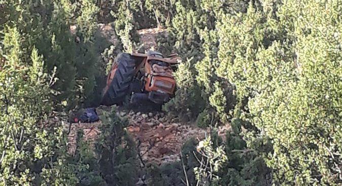 Antalya'da traktör uçuruma yuvarlandı! Yaralılar var