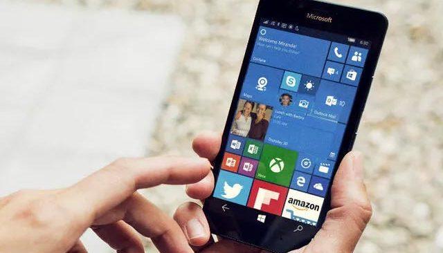 6 yıllık akıllı telefona Windows 11 yükledi!