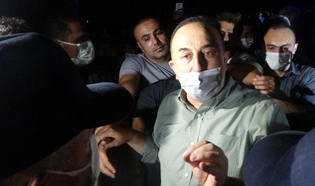 Manavgat'ta arbede! Bakan Çavuşoğlu devreye girdi