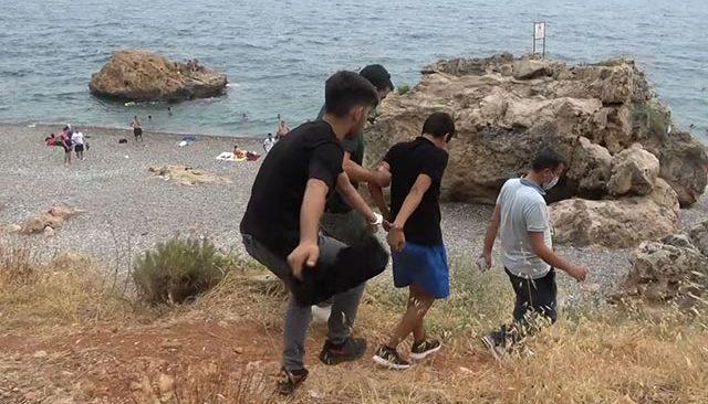 Antalya sahil fareleri suçüstü yakalandı