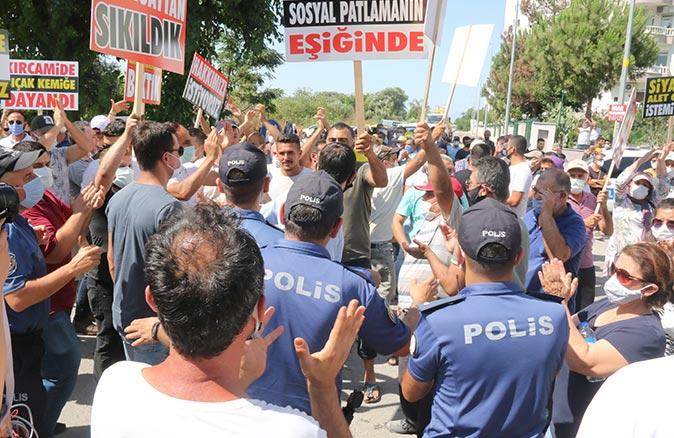 Antalya'da 40 yıldır çözülemeyen Kırcamii imar planı protesto edildi