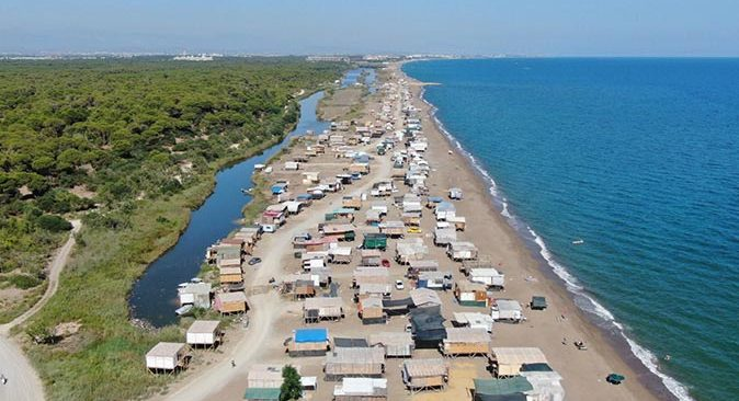 Antalya'da 5 yıldızlı denize sıfır 'Çardak Beach' tatili
