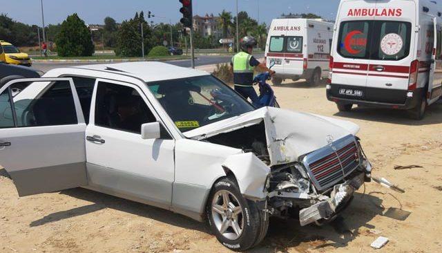 Antalya'da 4 aracın karıştığı kazada 6 kişi yaralandı