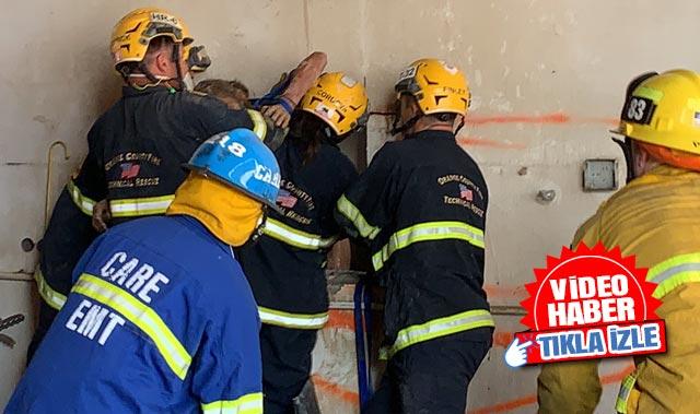 Akılalmaz olay! Çıplak kadın 45 santimetrelik duvarın arasına sıkıştı