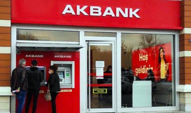 """Akbank """"teknik sorunu"""" kısmen çözdü! ATM'leri yeniden hizmet vermeye başladı"""