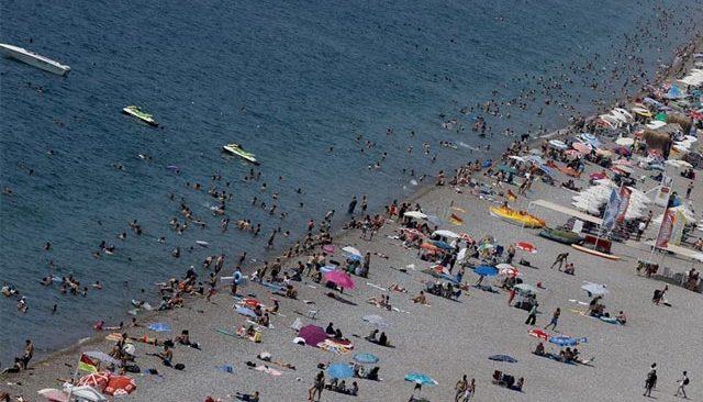 Antalya 9 günde yarım milyondan fazla yabancı turist ağırladı