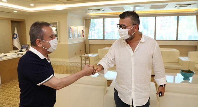 Antalyaspor'un yeni yönetimi Başkan Muhittin Böcek'le bir araya geldi