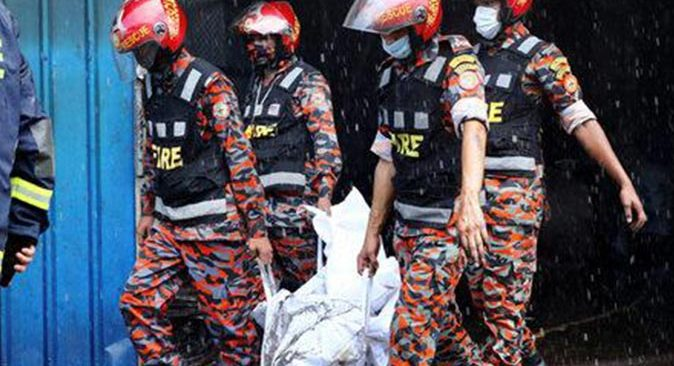 Bangladeş'te yangın faciası! En az 52 kişi hayatını kaybetti