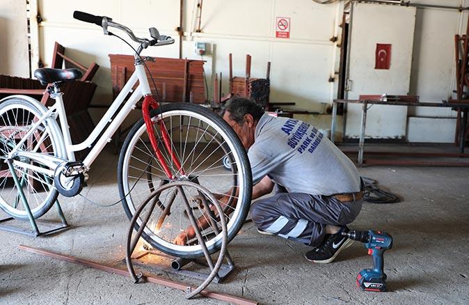 Antalya'da bisiklet telefon şarj edecek