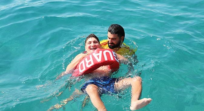 Antalya'da Engelsiz Plaj sezonu açtı