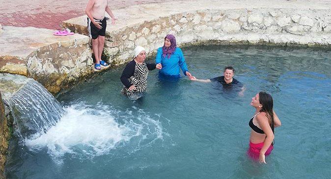 Ününü duyan Burguç Şifalı Su Havuzu'na koşuyor!