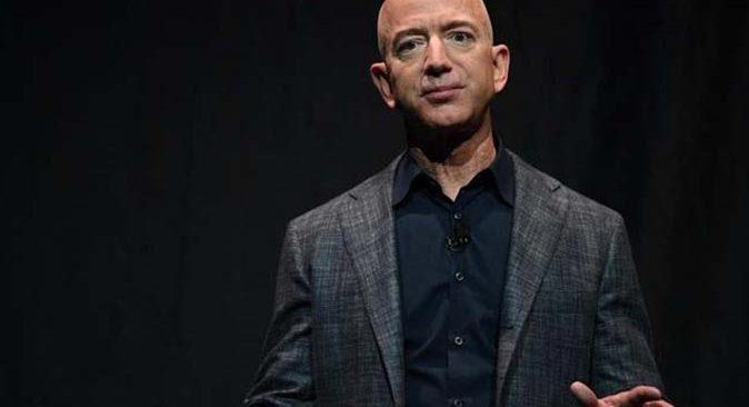 Kadın pilot Wally Funk, Jeff Bezos ile uzaya uçacak