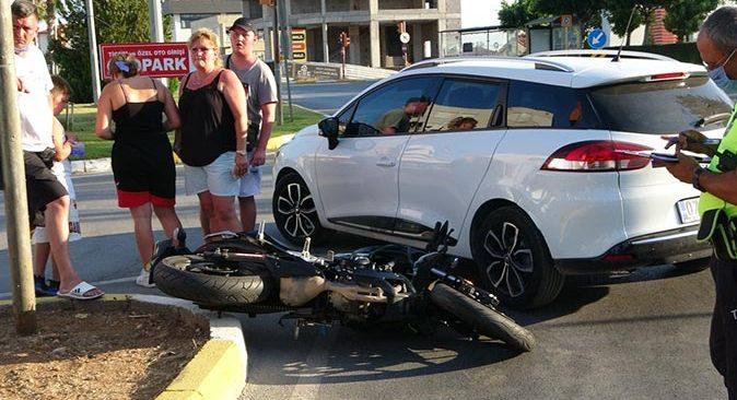Manavgat'ta otomobil ile motosiklet çarpıştı! Sürücü yaralandı