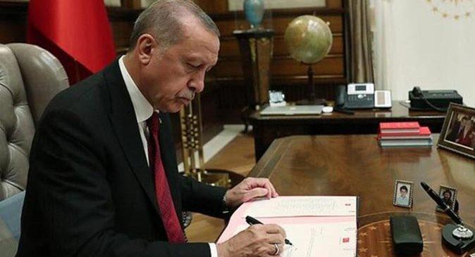 YÖK Başkanlığına Prof. Dr. Yekta Saraç'ın yerine Prof. Dr. Erol Özvar atandı