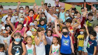 Başkan Ümit Uysal, Teneffüs Park'ta çocuklarla eğlendi