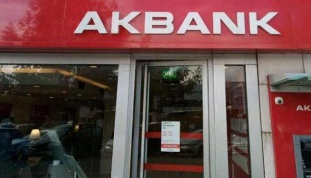 Son Dakika: Akbank CEO'su Hakan Binbaşgil'den ilk açıklama