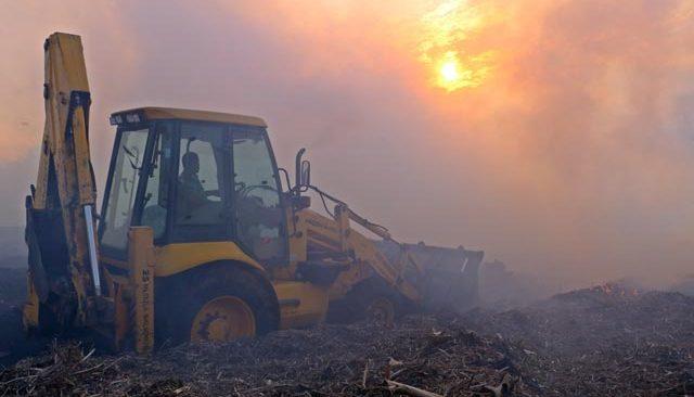 Antalya'daki moloz yangını korkuttu