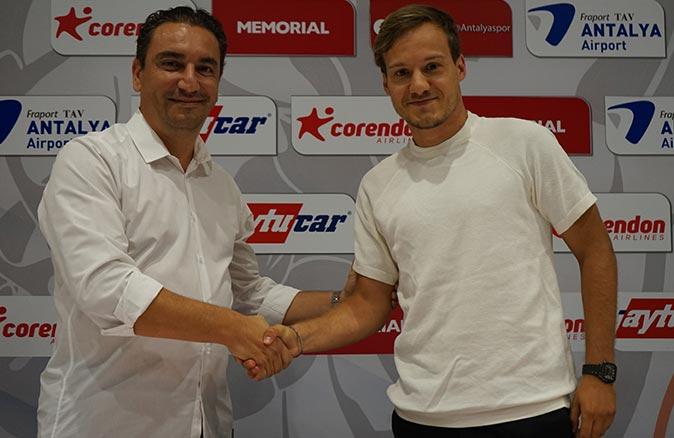 Antalyaspor, Deni Milosevic ile sözleşme imzaladı