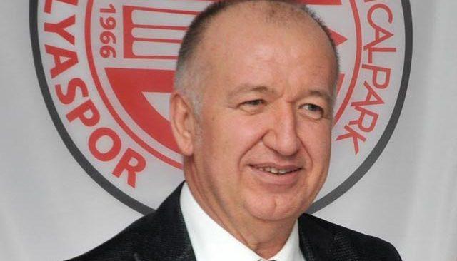 Eski başkan Gültekin Gencer'den Antalyaspor yönetimine eleştiri yağmuru