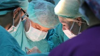 Akdeniz Üniversitesi'nde Türkiye'nin ikinci kadavradan rahim nakli gerçekleştiriliyor