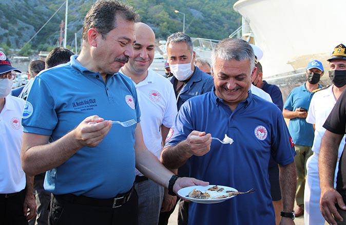 Tarım ve Orman Bakanlığı Balıkçılık ve Su Ürünleri Genel Müdürü Mustafa Altuğ Atalay ile Vali Ersin Yazıcı mangal başında!