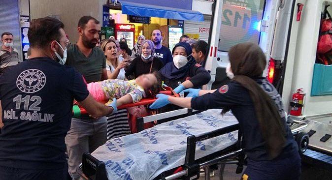 Antalya'da yola fırlayan küçük çocuğa otomobil çarptı