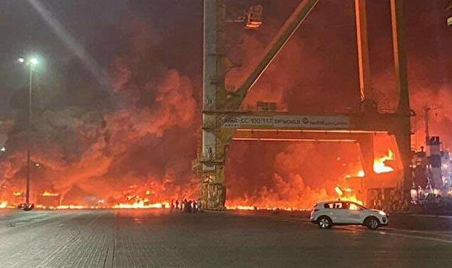 Son Dakika: Dubai'de büyük bir patlama meydana geldi