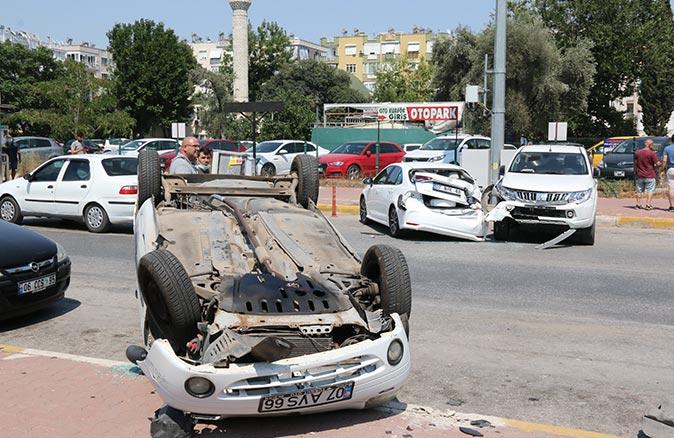 Antalya Eğitim ve Araştırma Hastanesi Acil Servis önünde feci kaza!