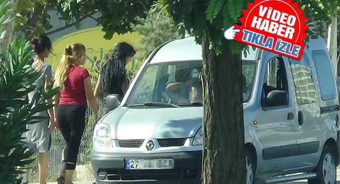 Gaziantep'te yolun ortasında fuhuş pazarlığı yaptılar